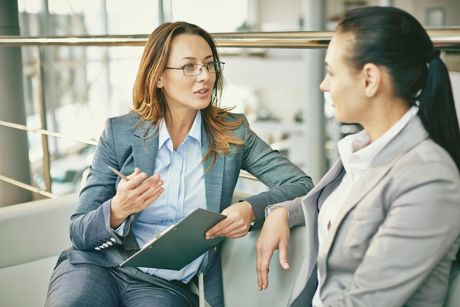 manager-talking-to-employee.jpg